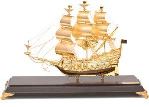 Thuyền buồm phong thủy