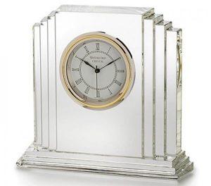 Tặng đồng hồ pha lê dành cho đồng nghiệp