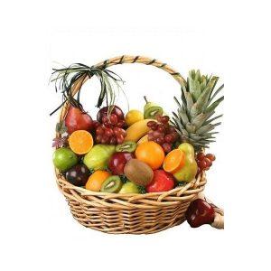 Tặng bố mẹ bạn gái giỏ hoa quả