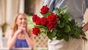 Tặng hoa cho bạn gái mới quen