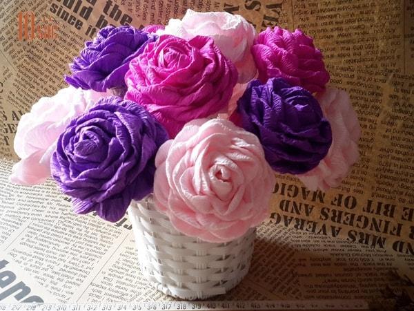 Những cách làm hoa hồng giấy nhún đẹp, đơn giản tại nhà