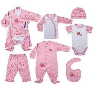 Quần áo cũng là một món quà phổ biến cho rất dễ chọn